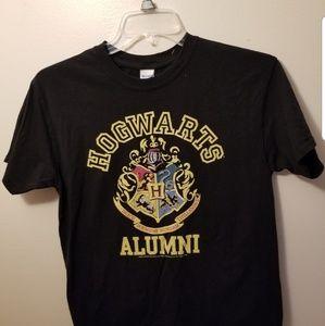 🎠Harry Potter Hogarts Alumni T Shirt Size Medium